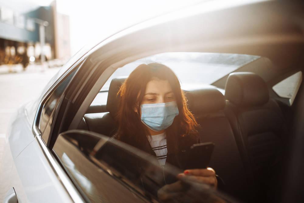 Evitando el Covid-19 de pasajero: la situación de los taxistas durante la pandemia